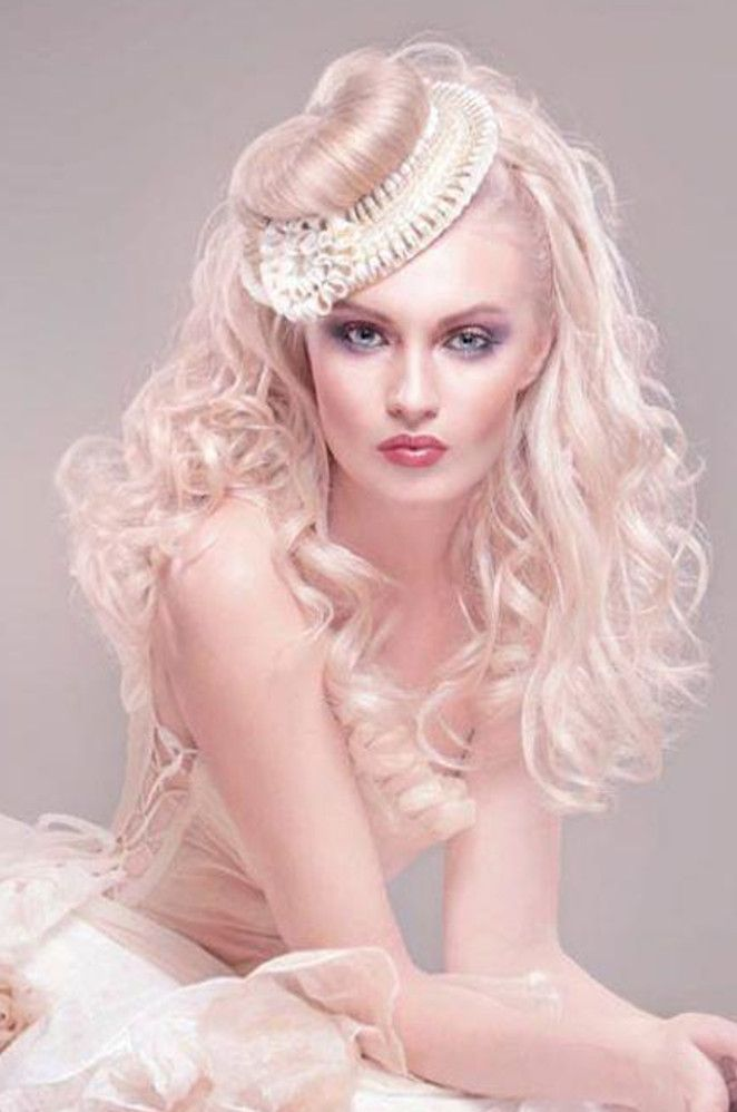 Simply Stunning Hair and Beauty Good Salon Guide