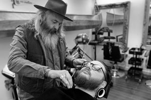 John Mullan in action doing beard trim
